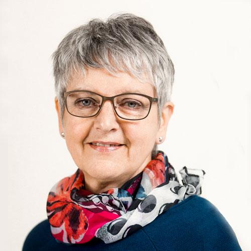 Frau Monika Naas